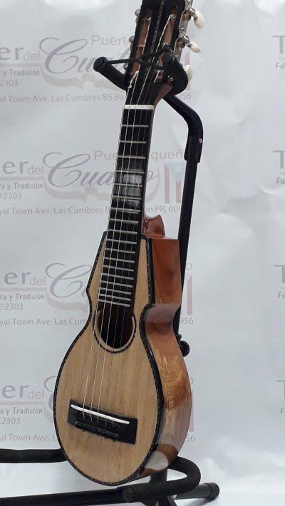 Tiple de Puerto Rico Enterizo de Guaraguao - Taller del Cuatro Puertorriqueño